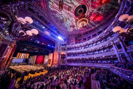 Volle Semper-Oper beim Semper-Opernball in Dresden