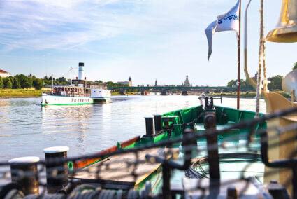 Schiffahrt auf der Elbe in Dresden