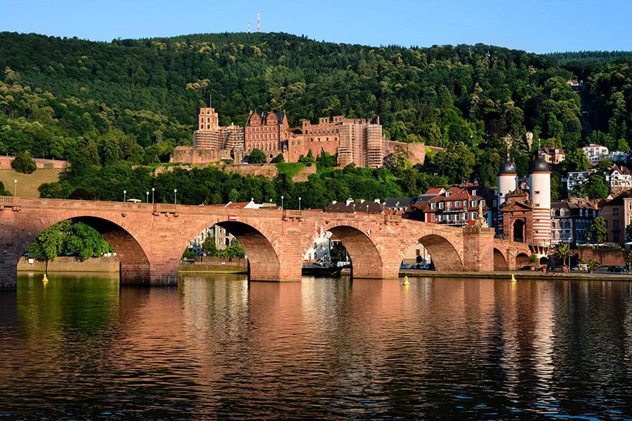Schloss und Alte Brücke in der Altstadt von Heidelberg