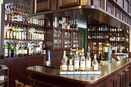 Whiskey-Bar im Hotel Spreeblick in Luebben im Spreewald
